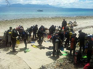 Gurkha-soldiers-prepare-for-Open-Water-training-in-Townsville-11