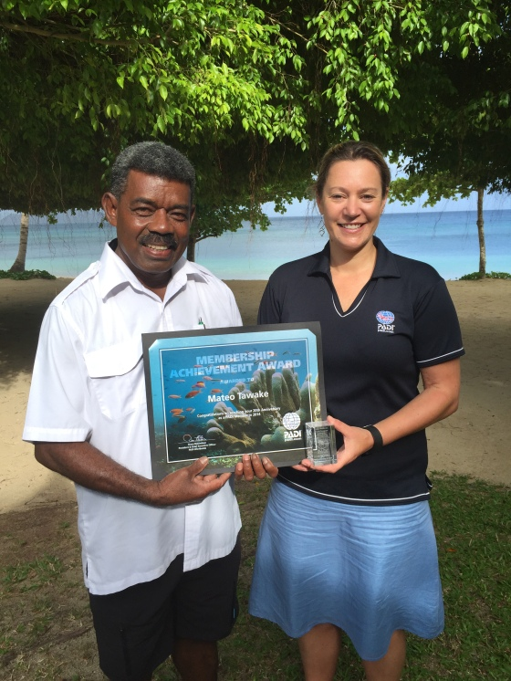 Mateo Tawake celebrating 20 years of PADI membership