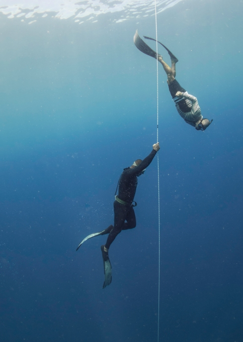 Divers on the Line